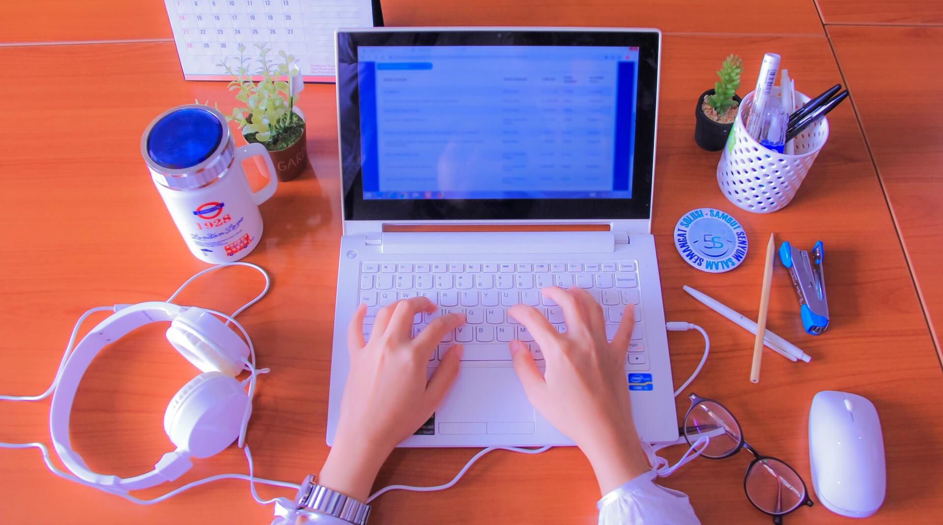 Как стать успешным блогером, не потратив ни копейки
