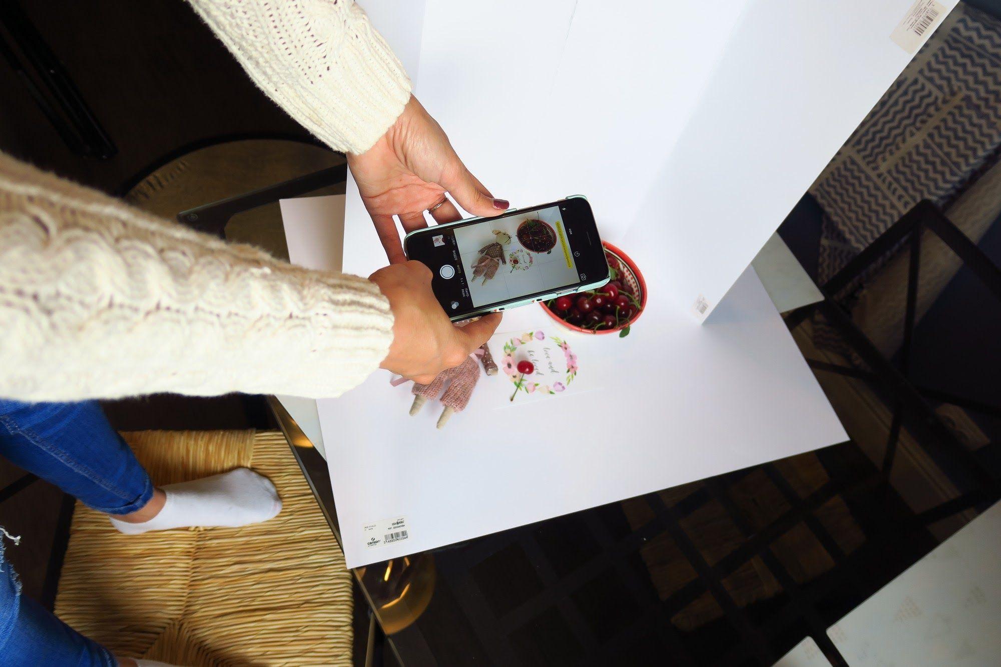 Как снимать флетлей для Instagram: гайд по мобильному фото из дома