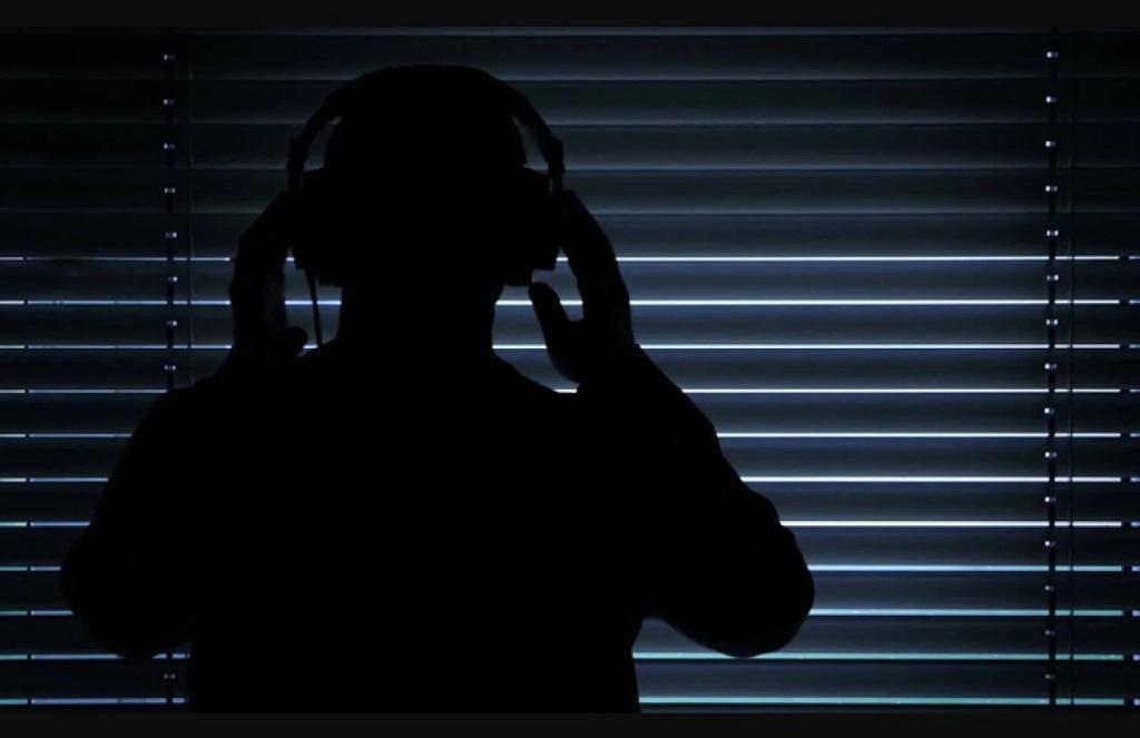 Новый «1984-й»: люди возмущены тем, что их подслушивают голосовые помощники и даже… Skype