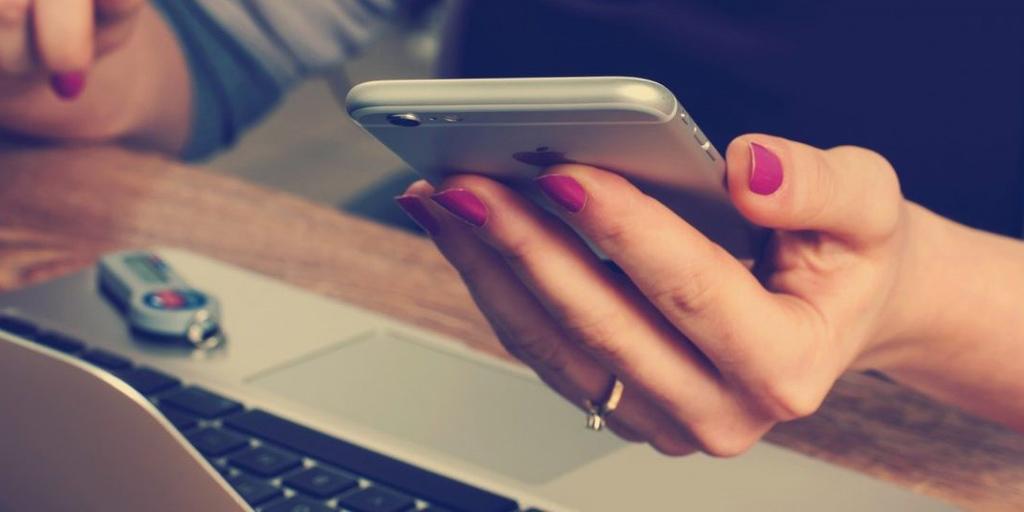 Как сделать СМС-рассылку: подробный гайд