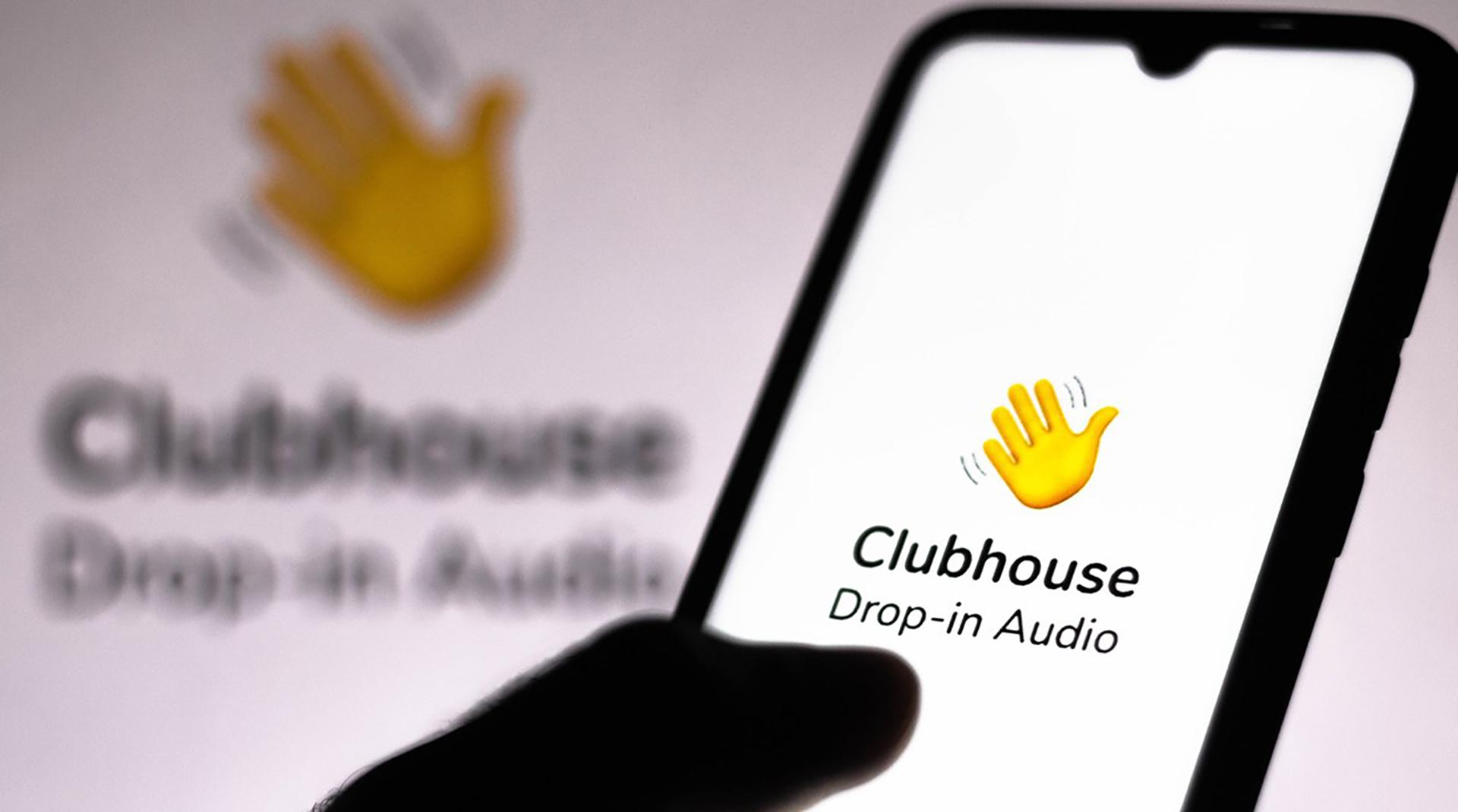 Уже в Clubhouse? Рассказываем, откуда взялась новая социальная сеть