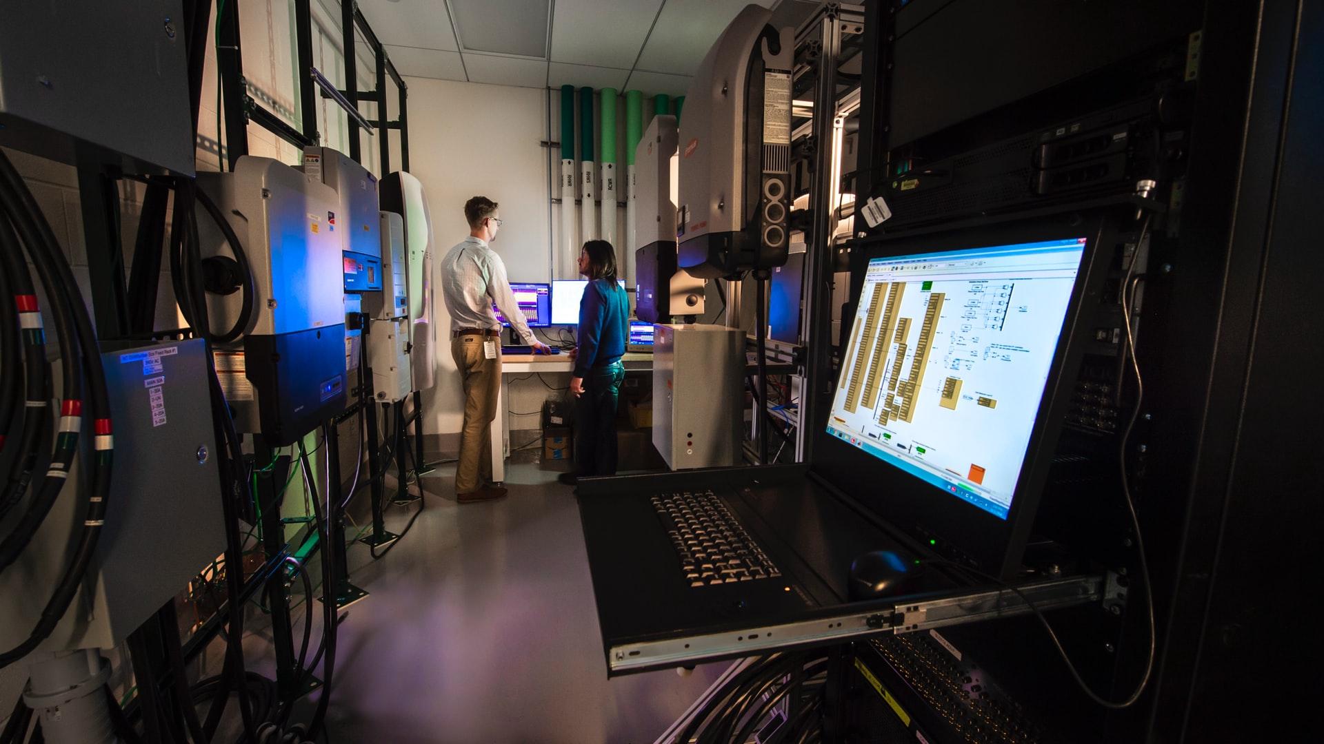 Коронавирус: Стартаперы напечатали на 3D-принтере реанимационные клапаны и спасли людей. Теперь им может грозить иск от производителя