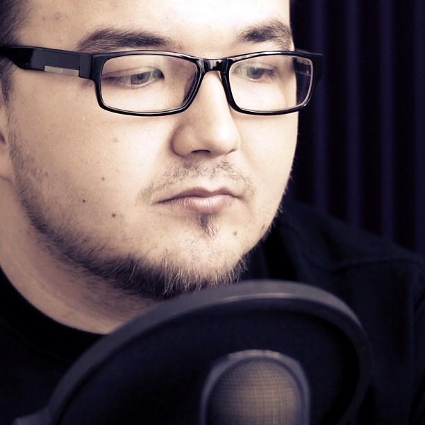 «Кураж-Бамбей» – это название студии, но большинство зрителей воспринимают его как псевдоним Дениса Колесникова
