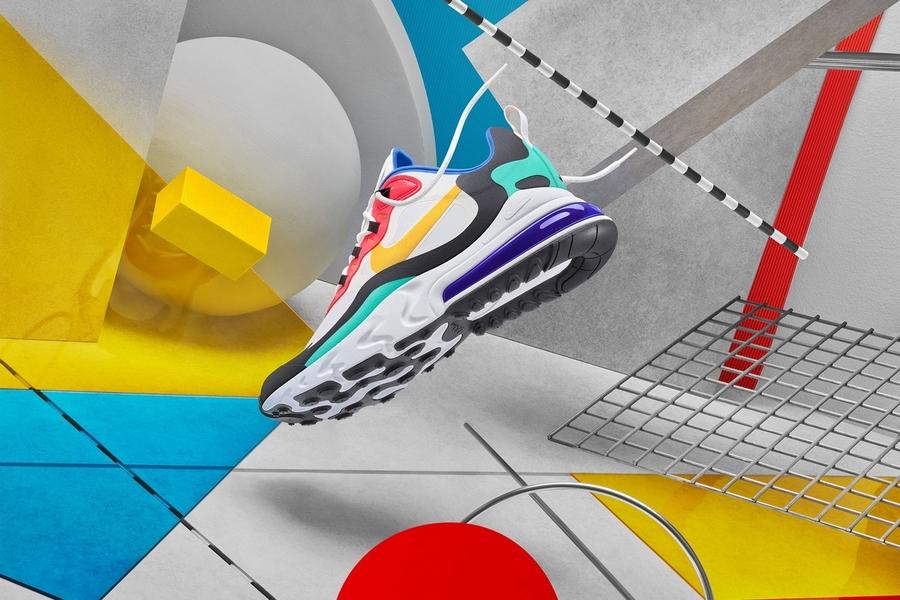 Интересная графика, сочетающая геометрические формы и 3D-объекты