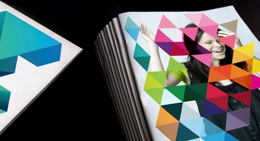 У Мельбурна есть не только большая разноцветная буква «М», а еще и паттерн в виде треугольников: на некоторых плакатах и брошюрах размещают его, минуя логотип