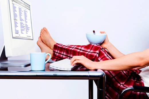 Работать дома в пижаме – это весело, но вот эффективно ли?