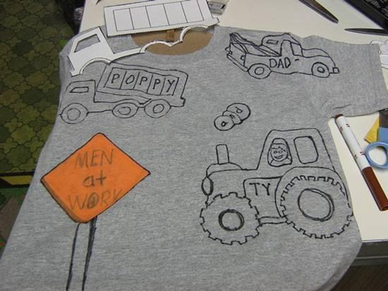 Расписывать футболки можно вручную