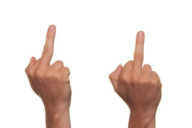 Правило тролля № 1: в любой непонятной ситуации посылай оппонента подальше
